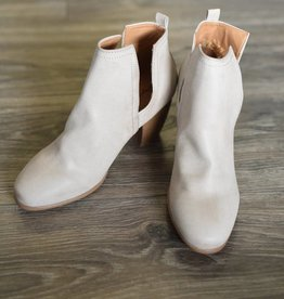 Stone burnished pull on bootie