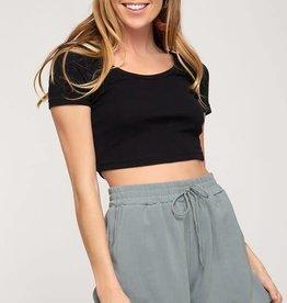 Woven shorts w/elastic waist and pockets
