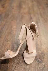 Nude ankle strap sandal w/block heel