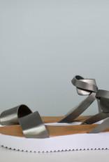 One band ankle strap platform sandal
