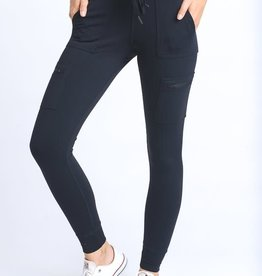 Black skinny cargo leggings