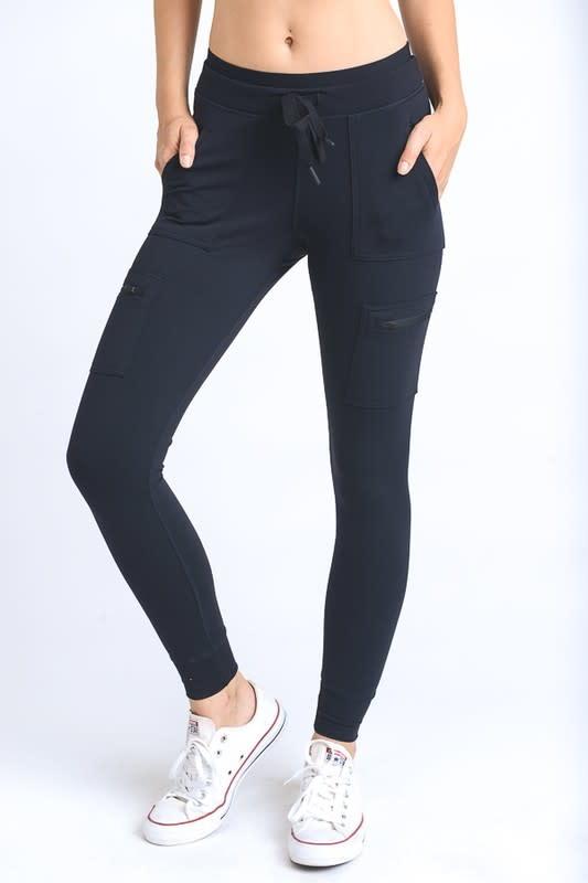 Black skinny cargo leggings