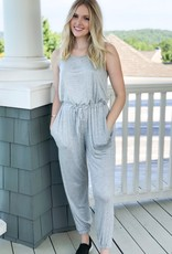 Sleeveless jumpsuit w/pockets