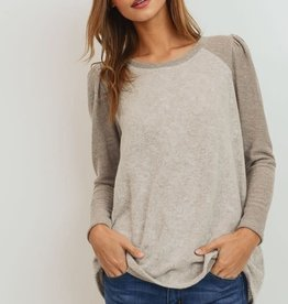 Taupe contrast puff LS top