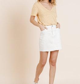 White high waist denim skirt w/frayed hem