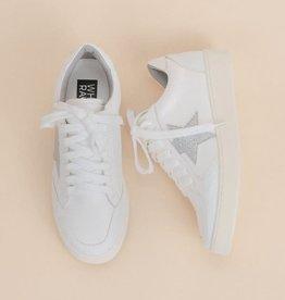 White star design sneaker