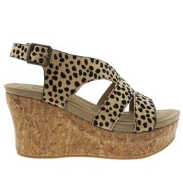 Cheetah strappy buckle strap wedge sandal