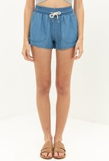 Waistband shorts w/front & back pockets