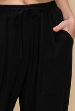 Black drawstring joggers w/pockets