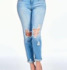 Lt wash mid rise boyfriend jeans