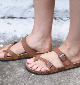 Brown strappy toe ring sandal