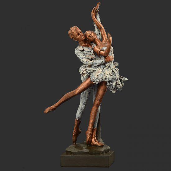 Dasha Designs Dancing Couple Figurine