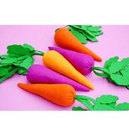 Housecat Club Lt. Orange Carrot Catnip, Lg