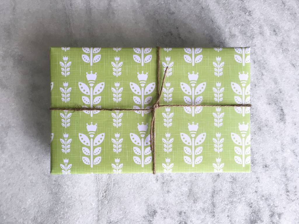 Favorite Story Tulip Gift Wrap