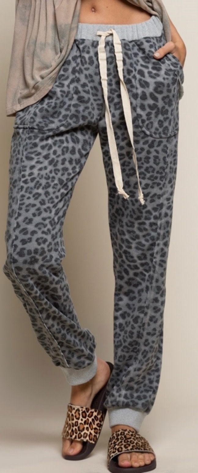 POL Clothing POL Clothing grey Printed Cheetah sweatpants