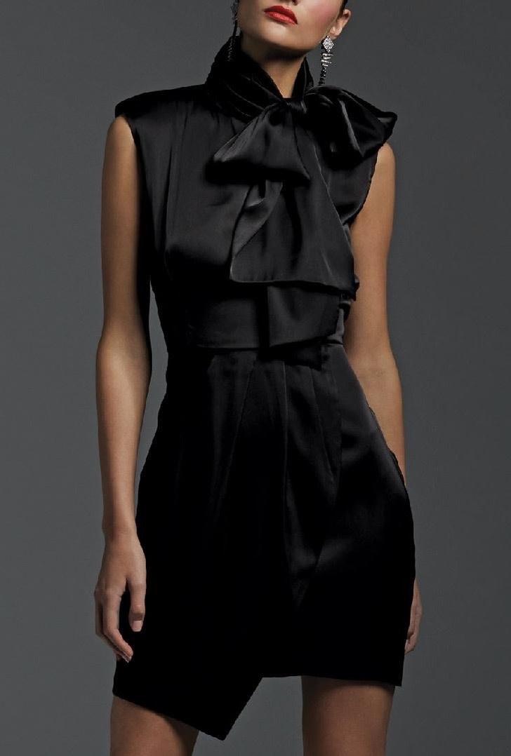 Sleeveless Dress with Tie Neck