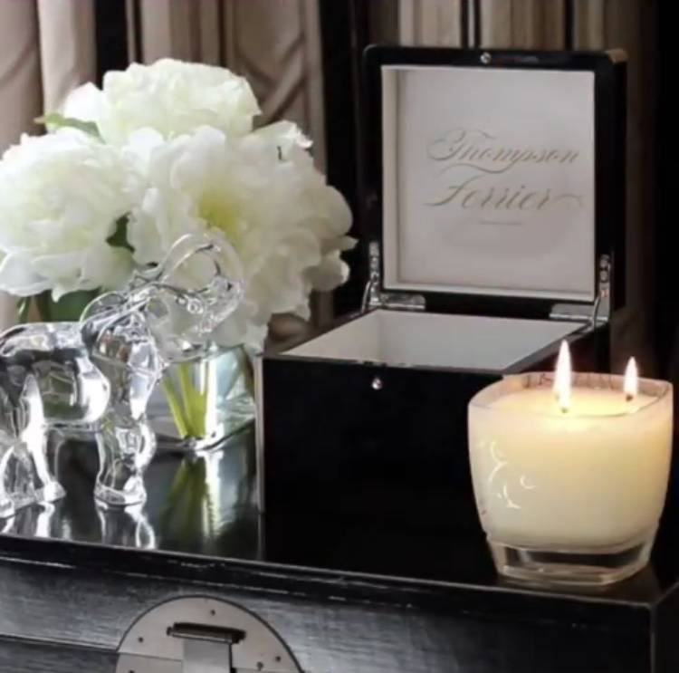 Thompson Ferrier Lacquer Hinged Box W/ Candle