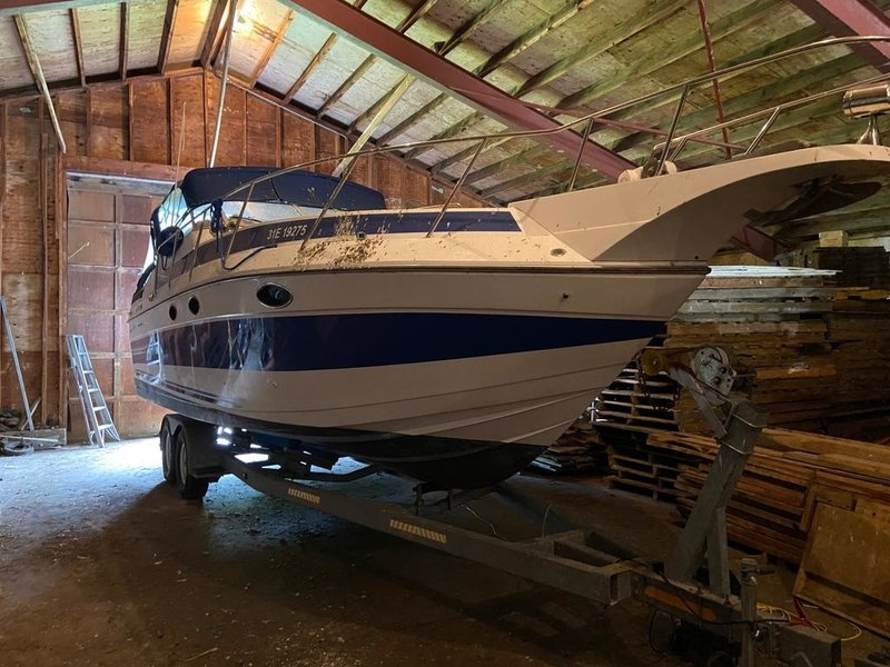 BROKERAGE 1990 Sun Runner Crusier