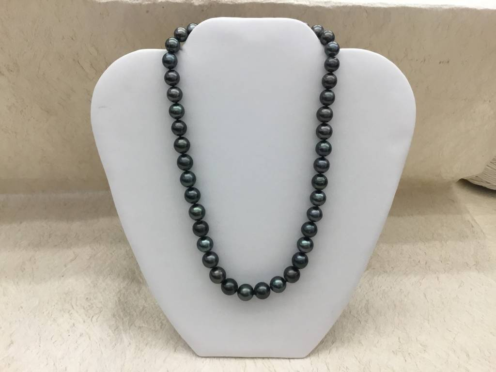 #74 8.3-10.7mm Round Tahiti an Pearl Necklace SS
