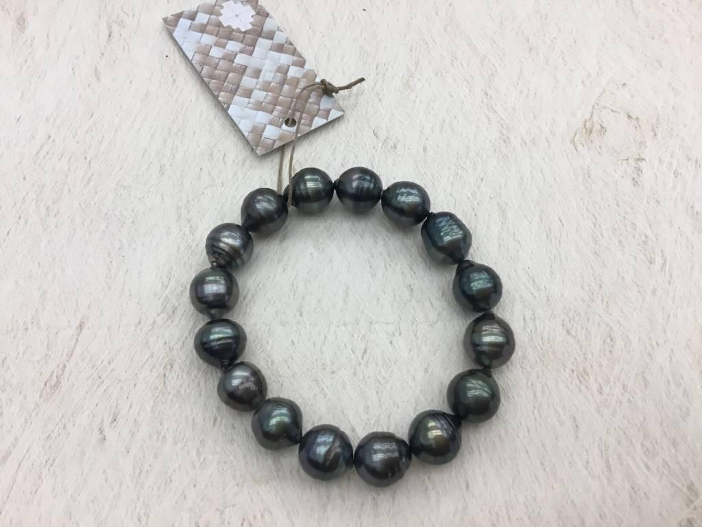 #75 10mm Tahitian Pearl Stretch Bracelet no clasp