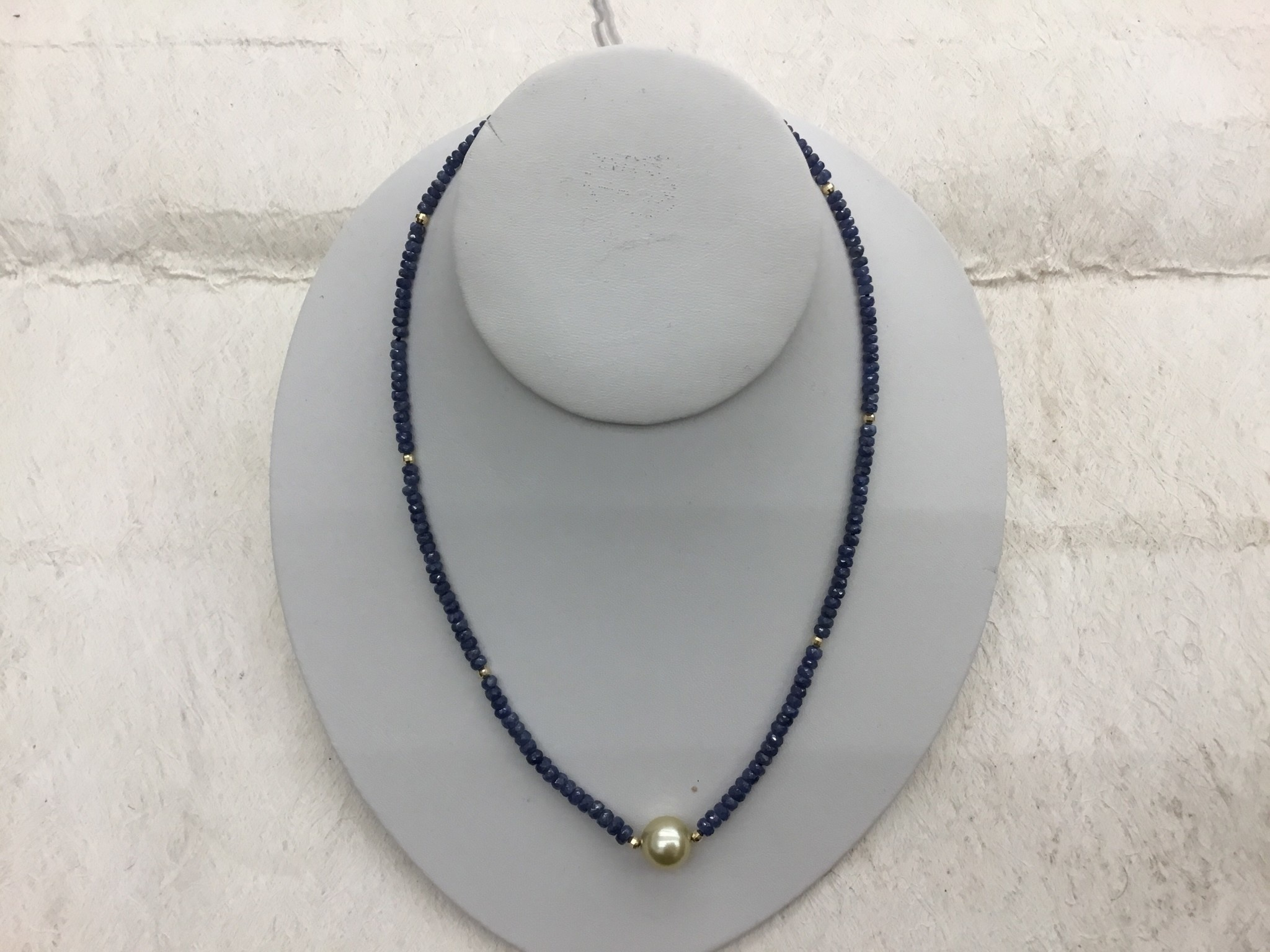 #89 SAPPHIRE NECKLACE WITH SOUTH SEA PEARL 1-11mm 14KG