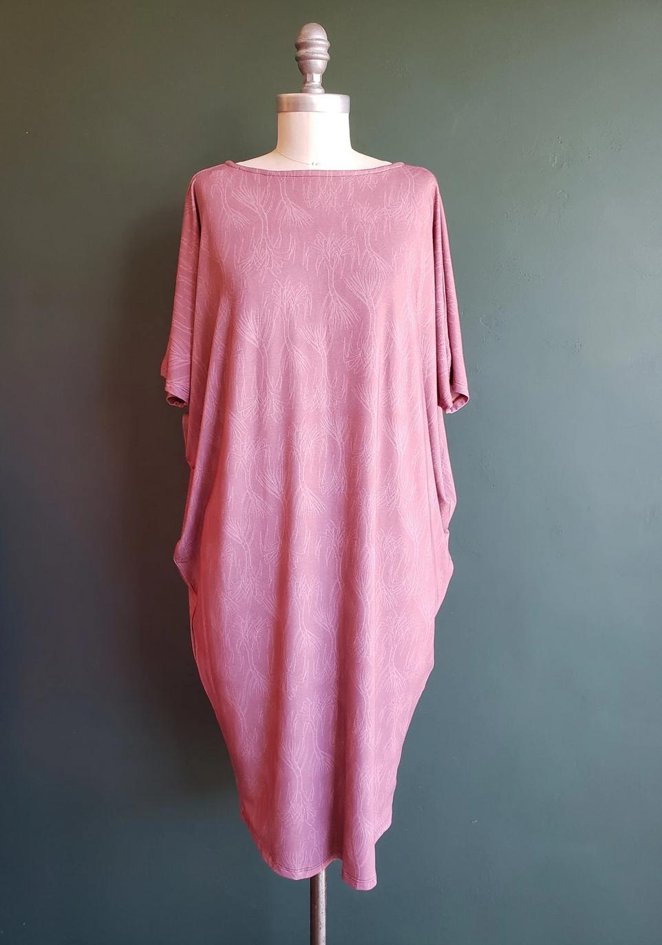 Hana Hou Uluwehi Rose Puhala Dress