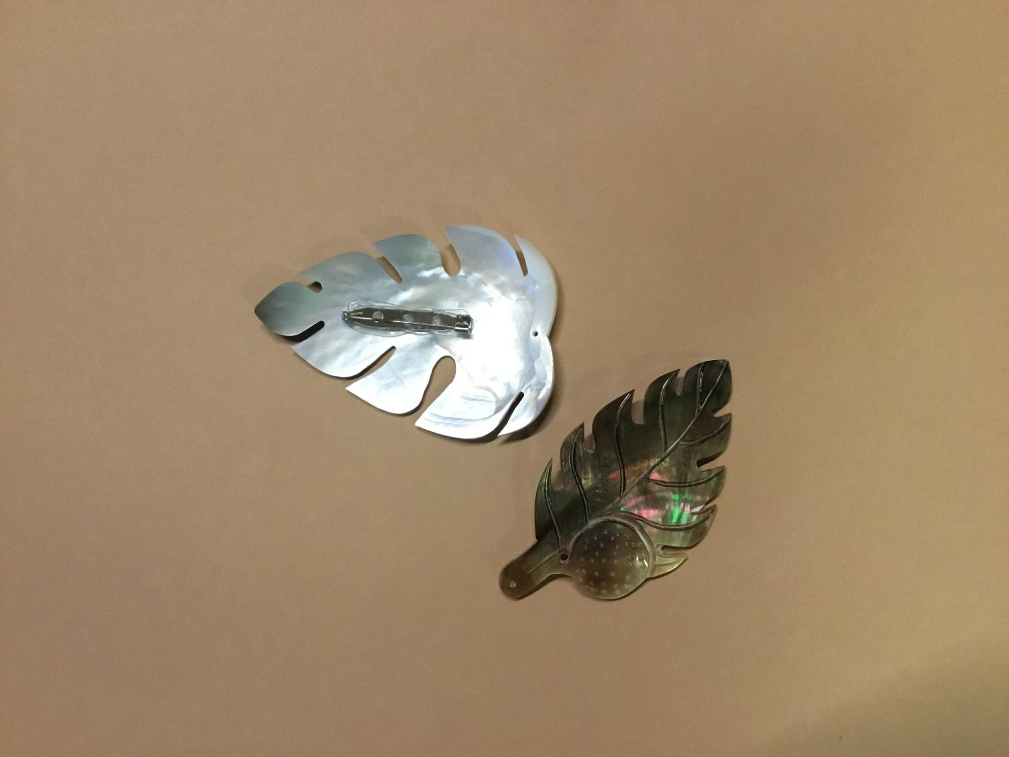 Carved Tahiti MOP Pin/Clip