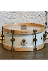 A&F Drum Co Caisse claire A&F Field Maple Antique White 14X5.5po