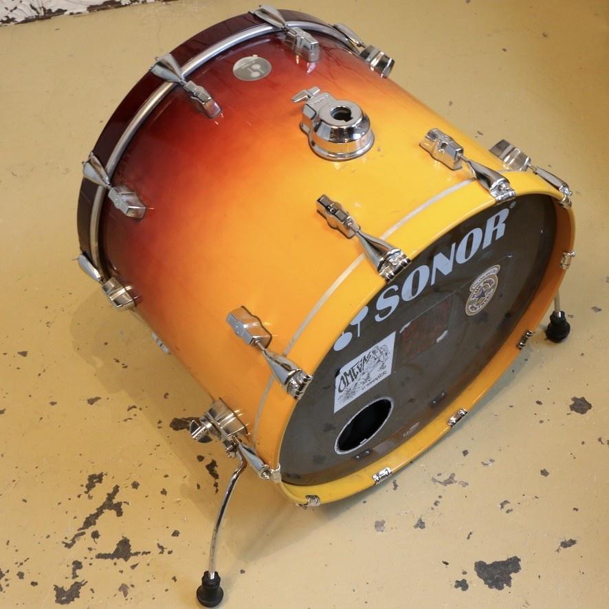 Sonor Grosse caisse usagée Sonor Force 3005 22x17po