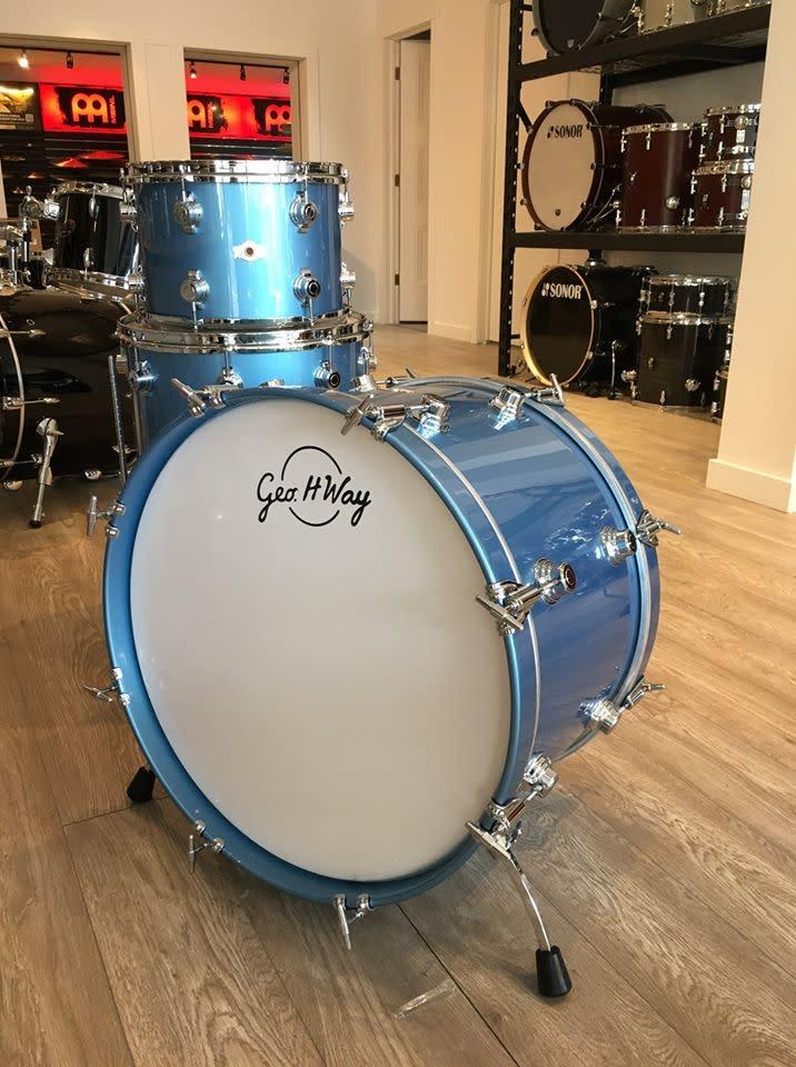 George Way George Way Aristocrat Drum Kit 22-13-16in - Billion Dollar Baby Blue