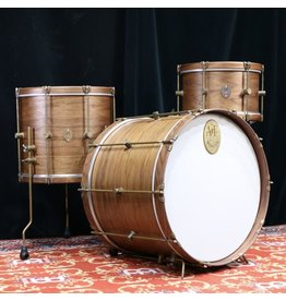 A&F Drum Co Drumkit A&F Walnut Club Kit 22x16-13x8-16x14in