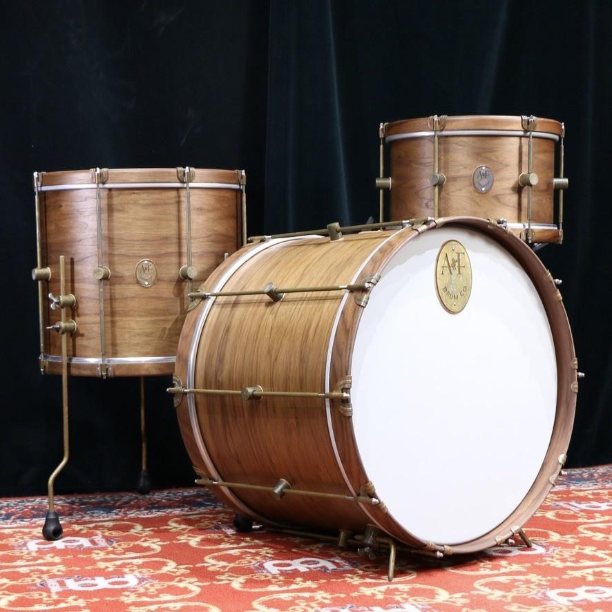 A&F Drum Co A&F Walnut Club Drum Kit 22-13-16in