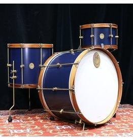 A&F Drum Co Batterie A&F Teak Club 24-13-16po - Chandler Blue, cerceaux en bois