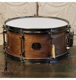 Noble & Cooley Noble & Cooley Walnut Snare Drum Clear Oil Flanged Black (8 lugs) 6.5 X 14in