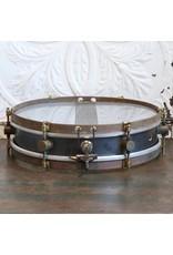 A&F Drum Co Caisse claire A&F Rude Boy Raw Steel 13X3po + chaînes internes