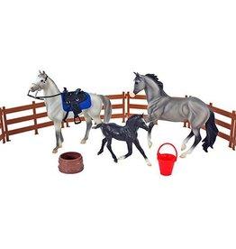 BREYER Heroes of the West Breyer Model Horse Set