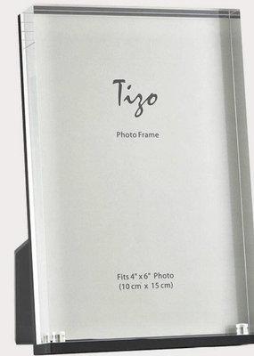 "Acrylic Frame Black 4""x6"""