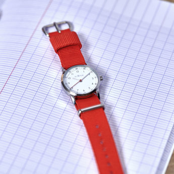 Millow Millow - Classic Watch, Red Paris Silver Buckle