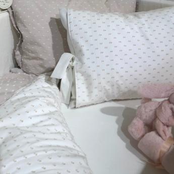 Bouton Jaune Bouton Jaune - Cover Pillow 12x16 Inches, Bout de Ficelle, Moka