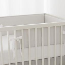Bouton Jaune Bouton Jaune - Demi-Bordure de Lit/ Bed Half Bumper, Liberté, Rayé Gris/Grey Stripe