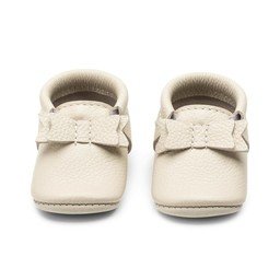 Heyfolks Heyfolks - Mini Jane Soft Soles Shoes, Arctic Wolf Bow