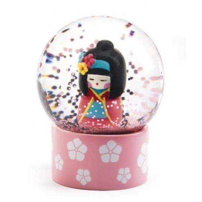 Djeco Djeco - Mini Boule à Neige So Cute, Kokeshi