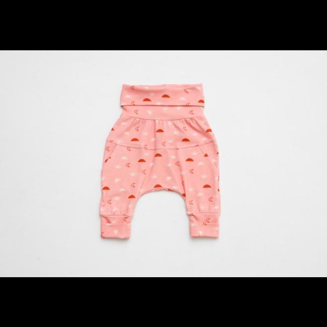 Little Yogi Little Yogi - Grow With Me Pants, Little Moon Child