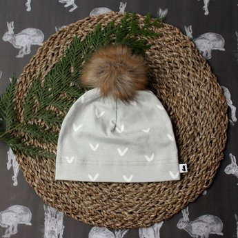 Little & Lively Little & Lively - Pompom Beanie, Arctic Wolf