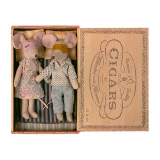 Maileg Maileg - Mom and Dad Mice in a Cigarbox