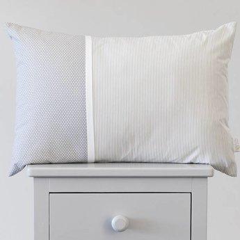 Bouton Jaune Bouton Jaune - Cache-Oreiller 13x20 Pouces/13x20 Inches Pillow Cover, Liberté, Rayé et Pois Gris/Grey Stripe and Dots
