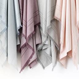 Bouton Jaune Bouton Jaune - Couverture en Lainage Tissé/Woven Wool Blanket, Rose/Pink