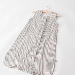 Little Unicorn Little Unicorn - Sac de Nuit en Mousseline de Coton/Cotton Muslin Sleep Bag, Rayures Grises/Grey Stripe