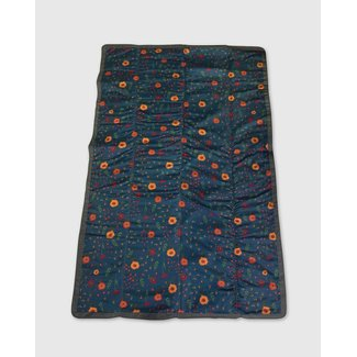 """Little Unicorn Little Unicorn - Outdoor Blanket, Midnight Poppy, 5 x 7"""""""