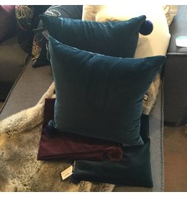 ROMEO VELVET CUSHION